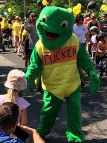Tucker the Turtle presses some flesh.
